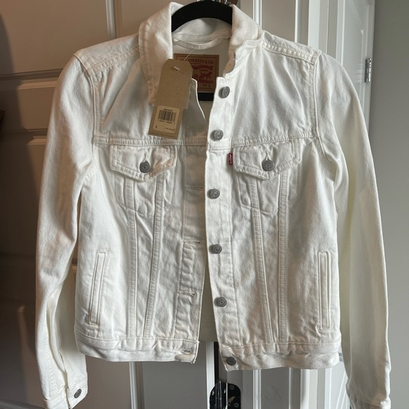 Levi's white denim jacket - NEVER WORN/NEW W/ TAG